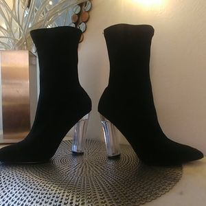 Like New! Extremely Cute Boots!